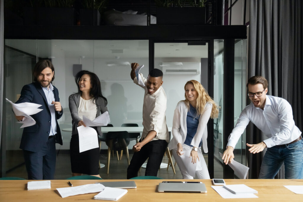how-to-build-a-sales-team-happy